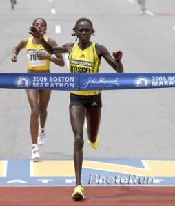 boston-marathon-winner-2009
